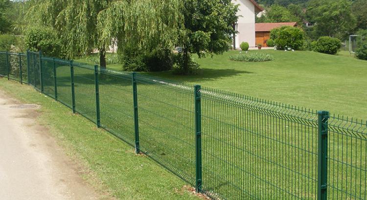 zártszelvény kerítés